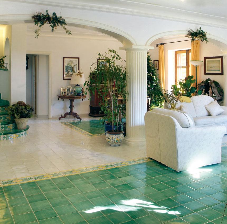 Pavimenti vietresi pannelli quadrati in ceramica di - Piastrelle di vietri ...